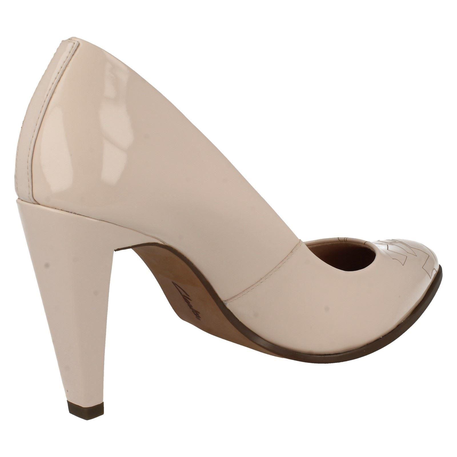 Damas Clarks Court Shoes Azizi amapola