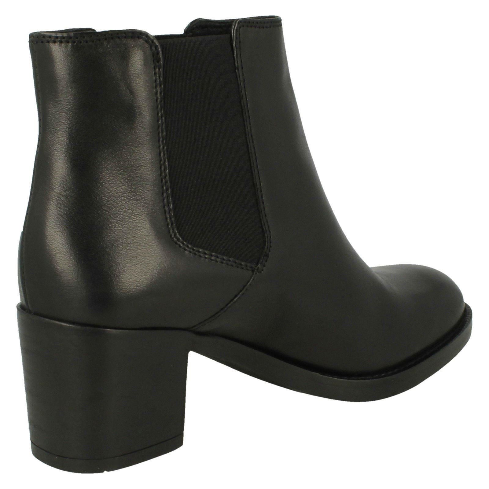 06033128b9edf4 ... Femmes Clarks élégant Bottines à enfiler mascarpone Bay | Réduction  Réduction Réduction ...