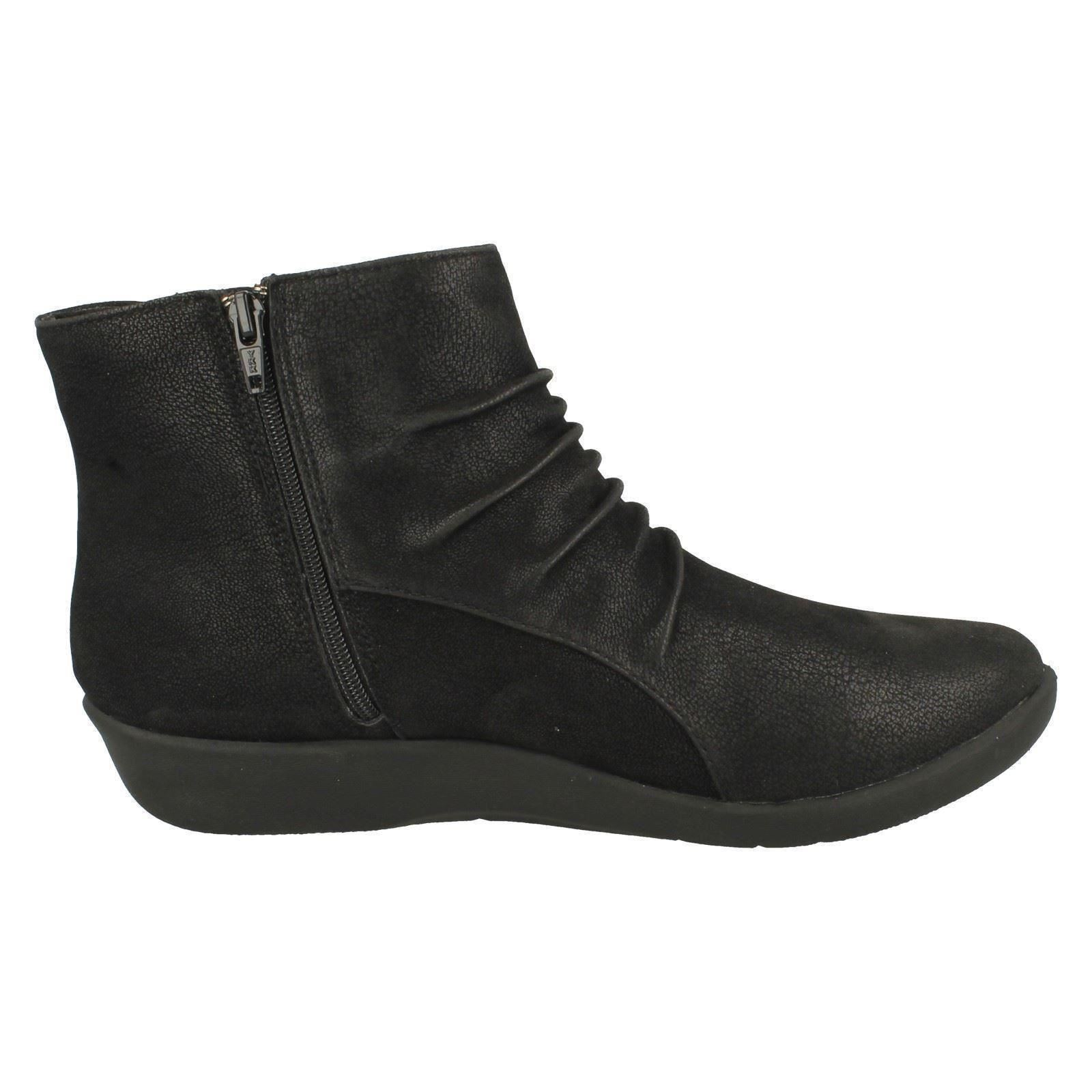 Ladies Cloud Steppers By Clarks Boots Sillian Chell Ebay