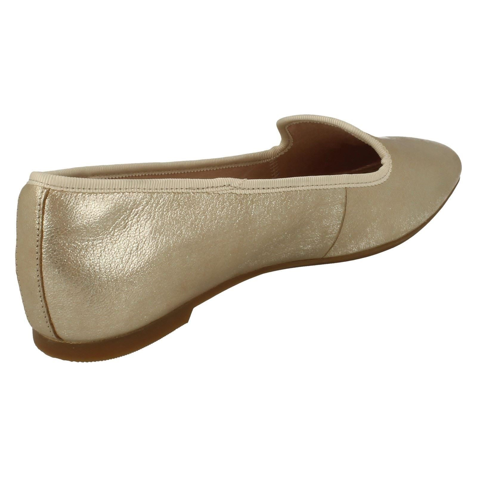Clarks Damas antideslizante en mocasines Chia Milly