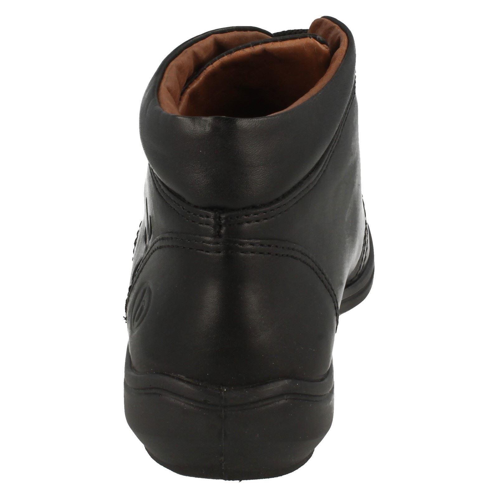 Easy B Damen breite Passform Leder Stiefelette zum Schnüren Track