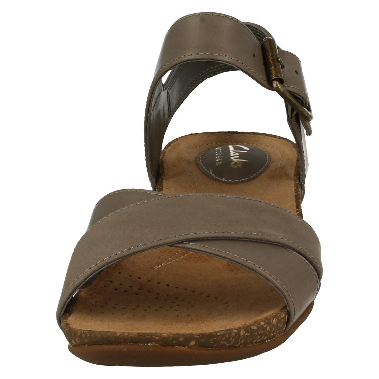 44849e960f3 Ladies Clarks Autumn Air Casual Summer Sandals with Buckle