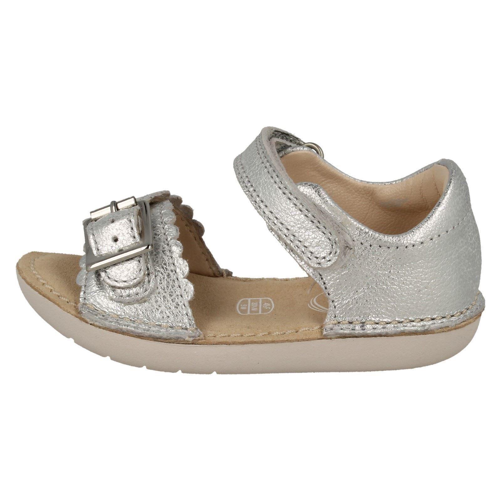 a11a91c8f07 Clarks Ivy Flora Girls First Sandal UK 4.5 Infant Silver F