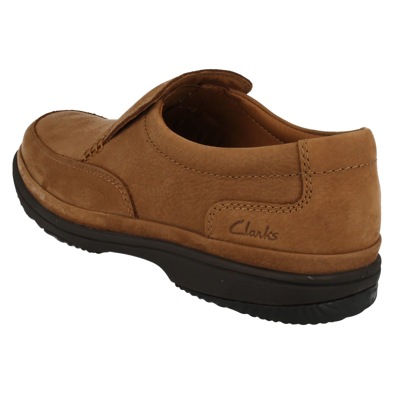 clarks wide fitting mens trainers