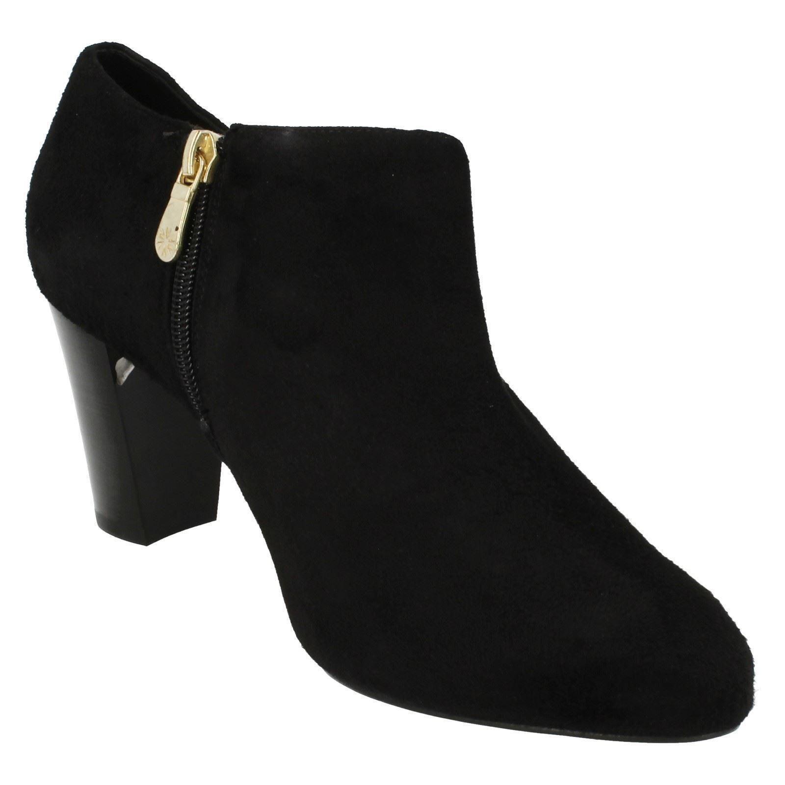 Grandes zapatos con descuento Ladies Van Dal Smart Block Heel Ankle Boot Carrow