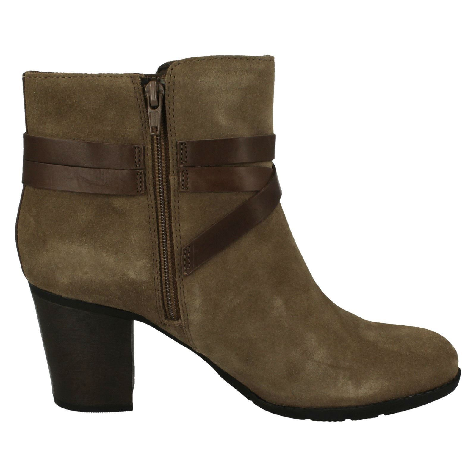 Ladies Clarks Buckle Detailed Ankle Boots /'Enfield Coco/'