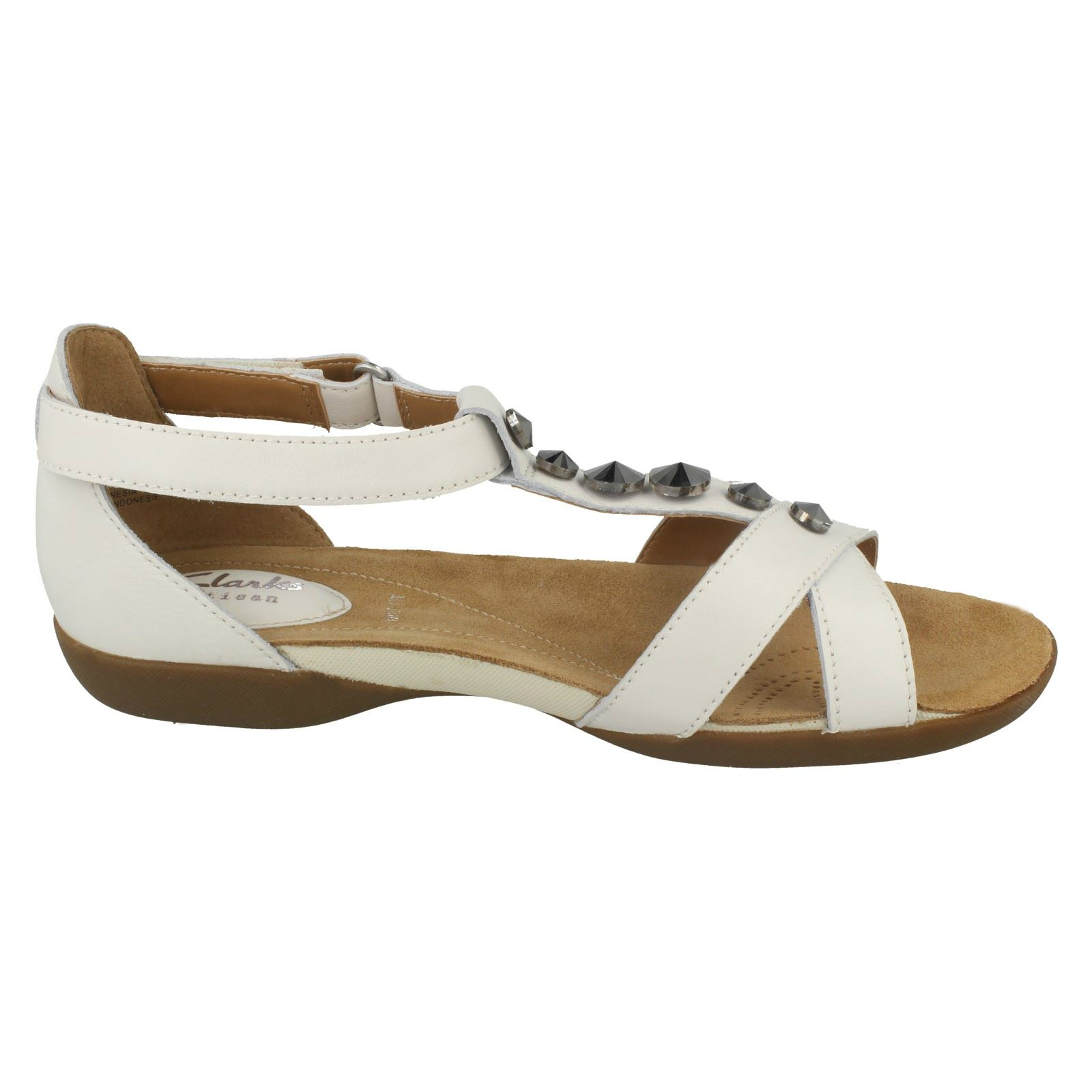 9d42ff92bcec Ladies-Clarks-Raffi-Scent-T-Bar-Flat-Sandals thumbnail