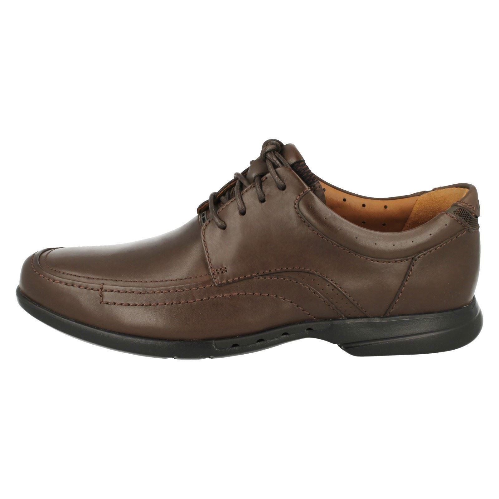 Un con marrón hombre en Clarks Sanford oscuro para marrón cordones Zapatos fA6w5qF