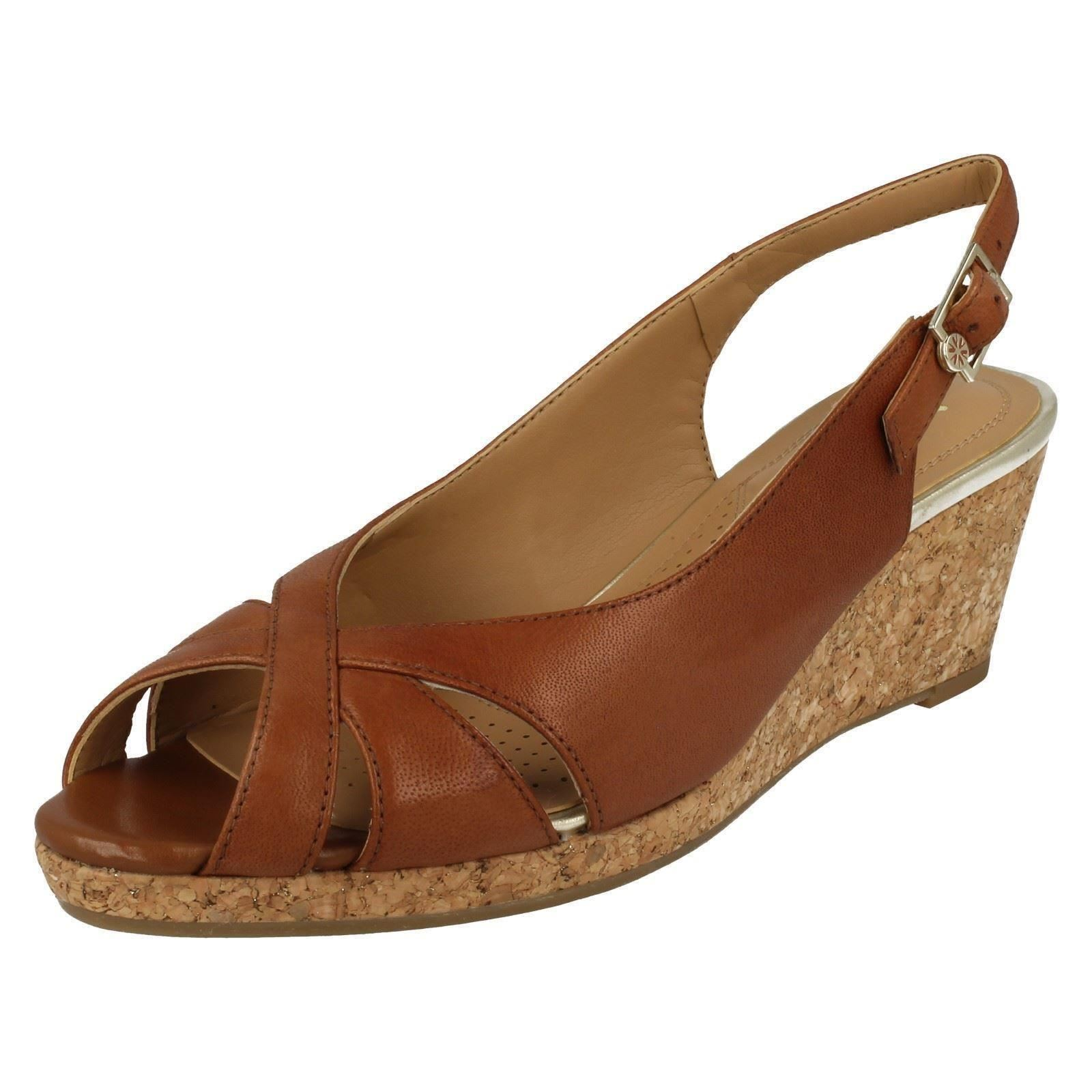 van dal wedge shoes