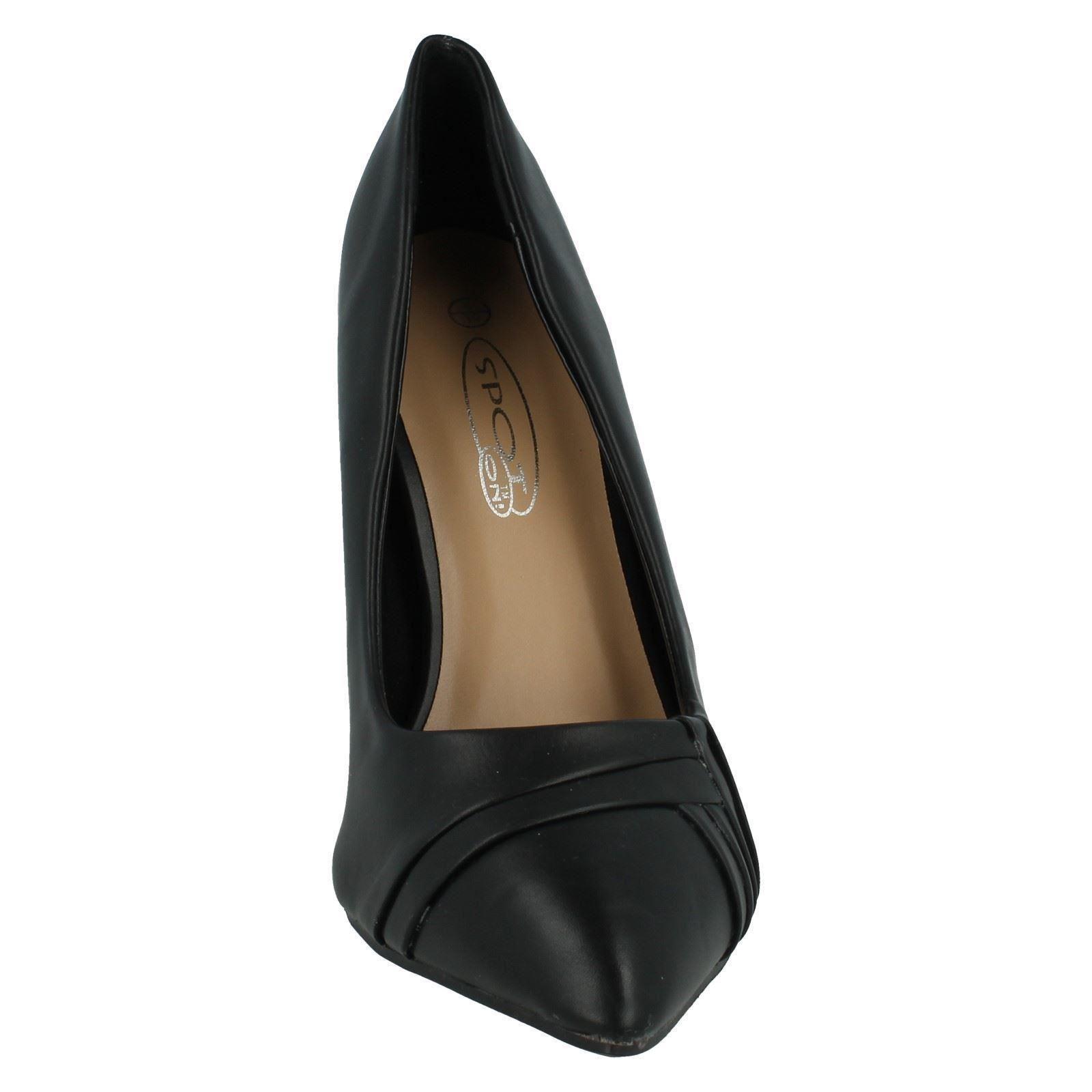 Ladies Spot On Court Shoes F9673