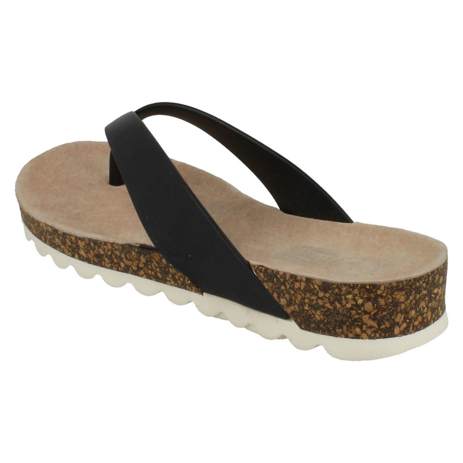 Señoras olas Mediados de cuña sandalia Toepost