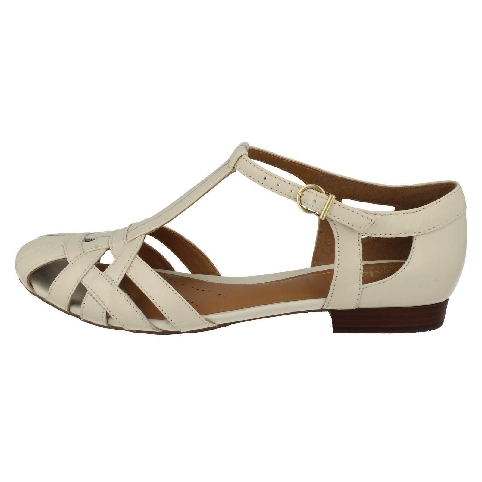 e0eaaa7fd287 Ladies-Clarks-Summer-Shoes-Henderson-Luck thumbnail 11