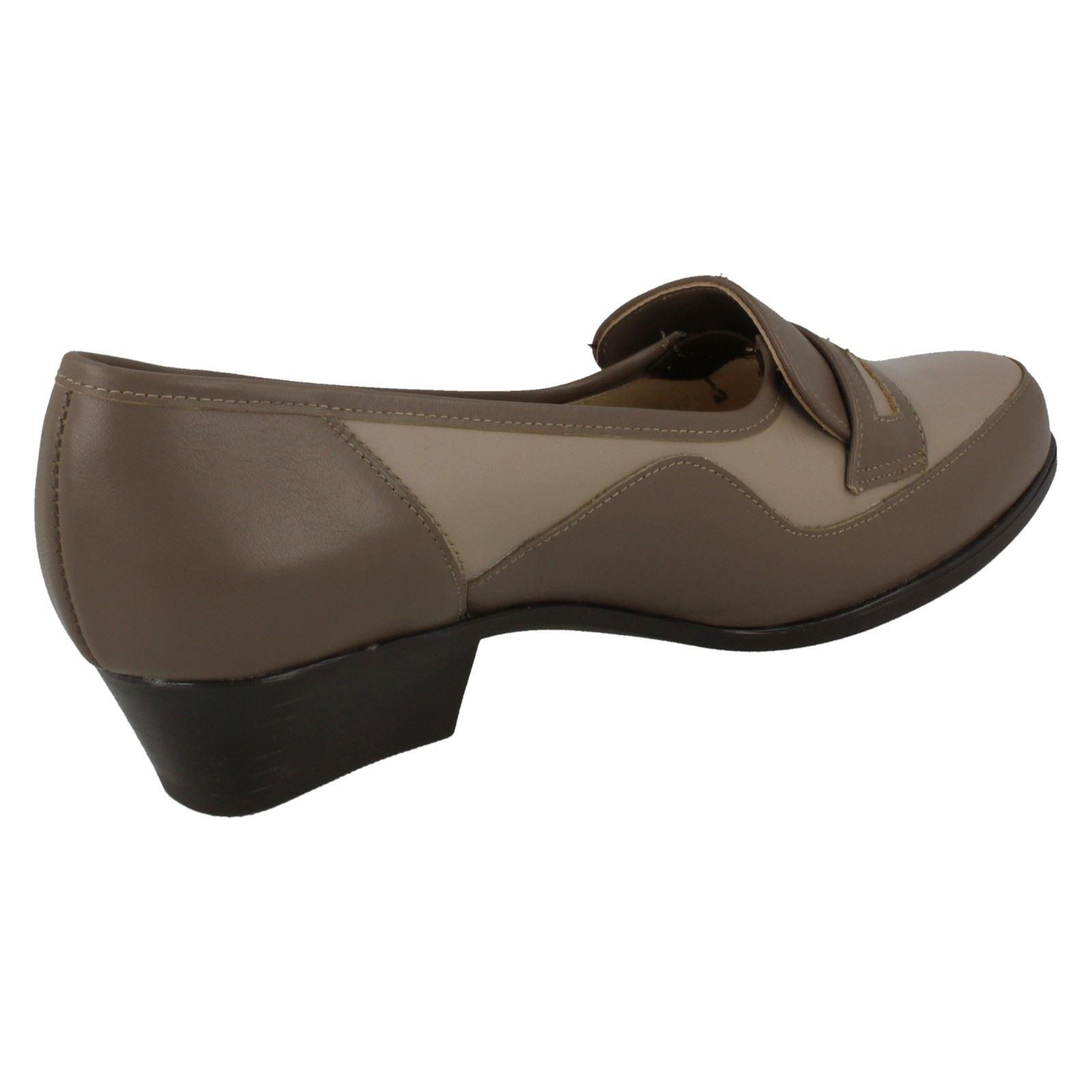 Clarks Ashland Glow Womens Leather Slip On Shoes