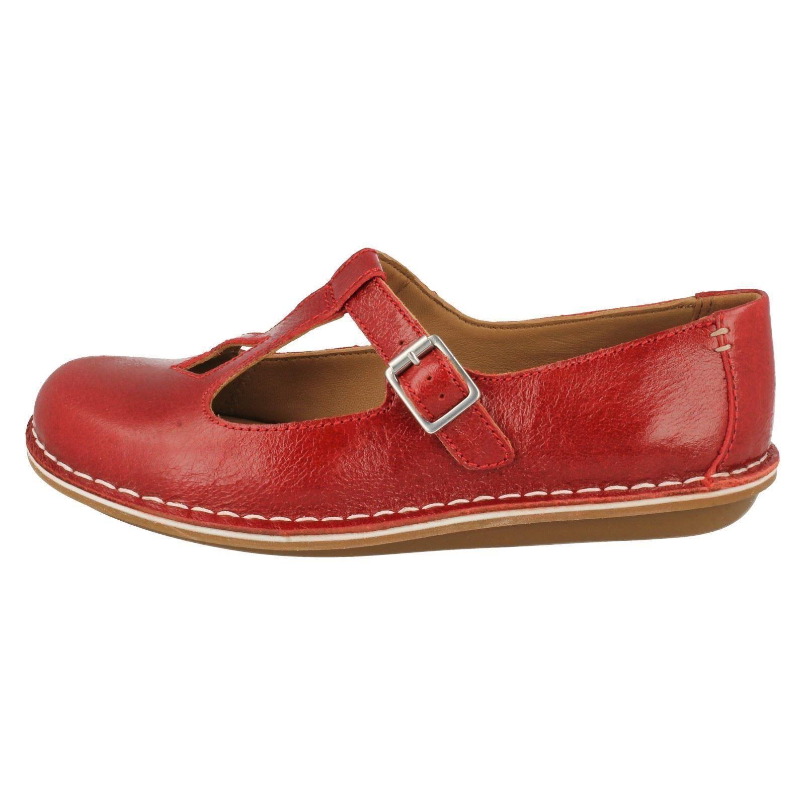 Ladies-Clarks-T-Bar-Flat-Shoes-Tustin-Talent