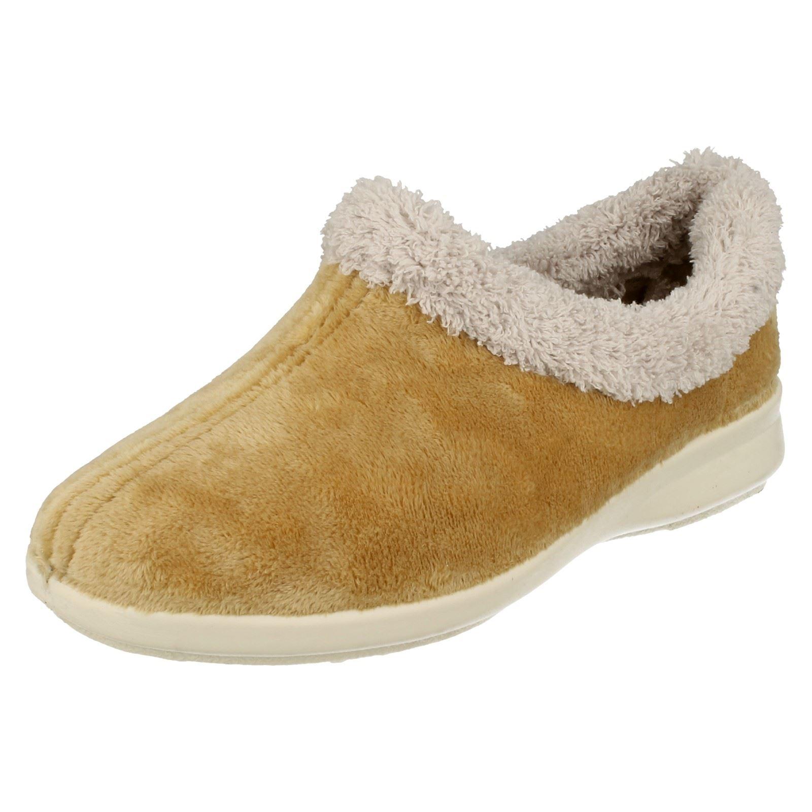 Señoras fácil montaje Zapatillas Augusta Ancho B