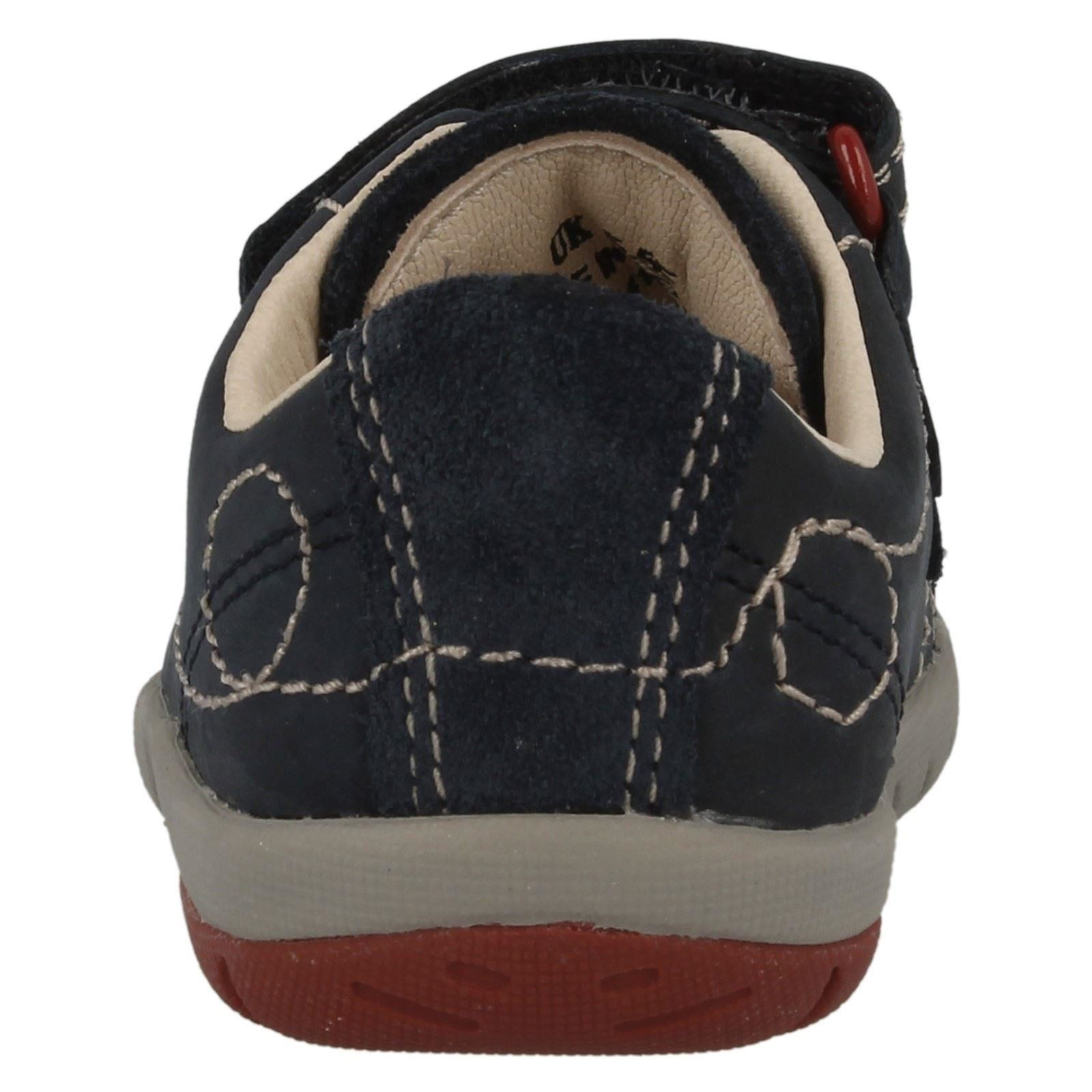 Zapatos de Cuero Chicos Clarks Hook & Loop primero * suavemente Jet *