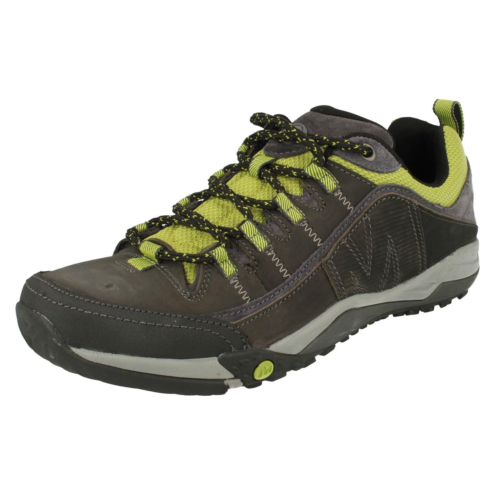 Zapatos Merrell Helixer distort en color negpo para hombre