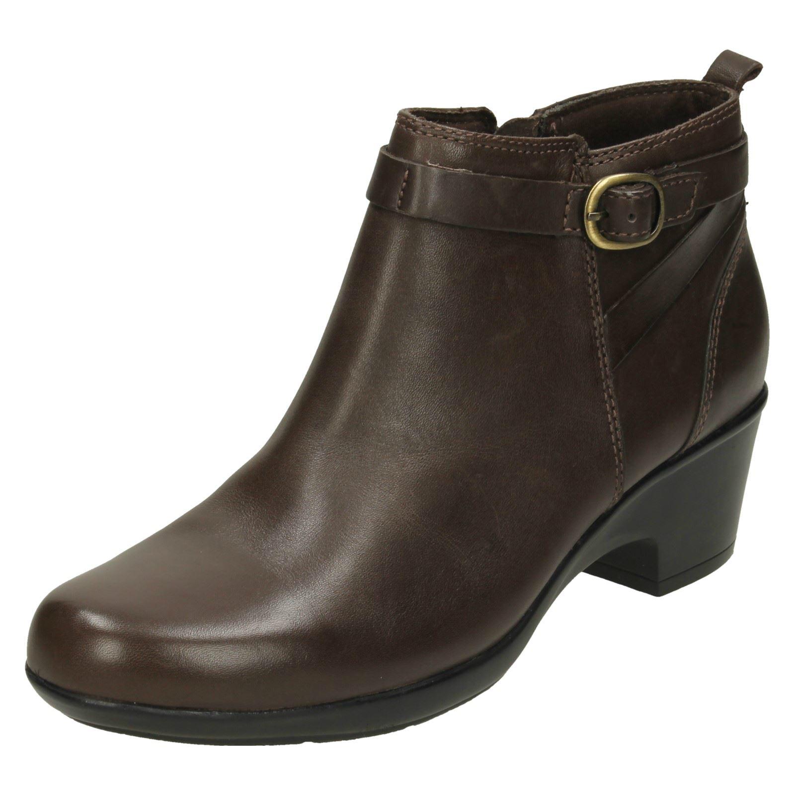 a208dc2e0d2c00 Ladies Clarks Low Heel Ankle BOOTS Malia Hawthorn UK 4.5 Brown E