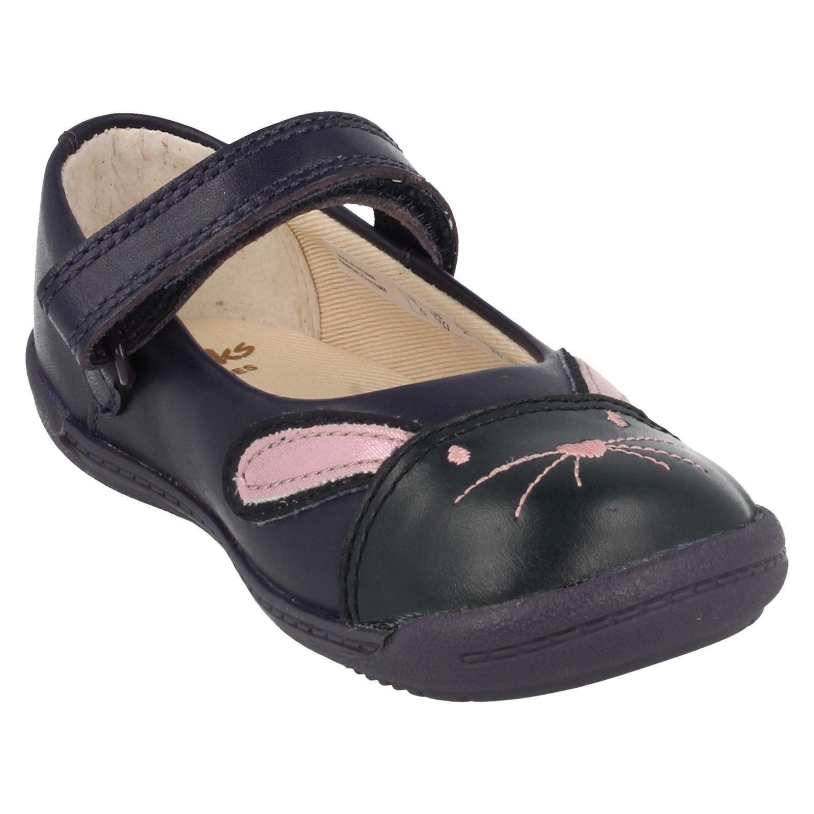 Niñas azul marino 'iva azul zapatos Primeros Bunny' Clarks SqwvrS