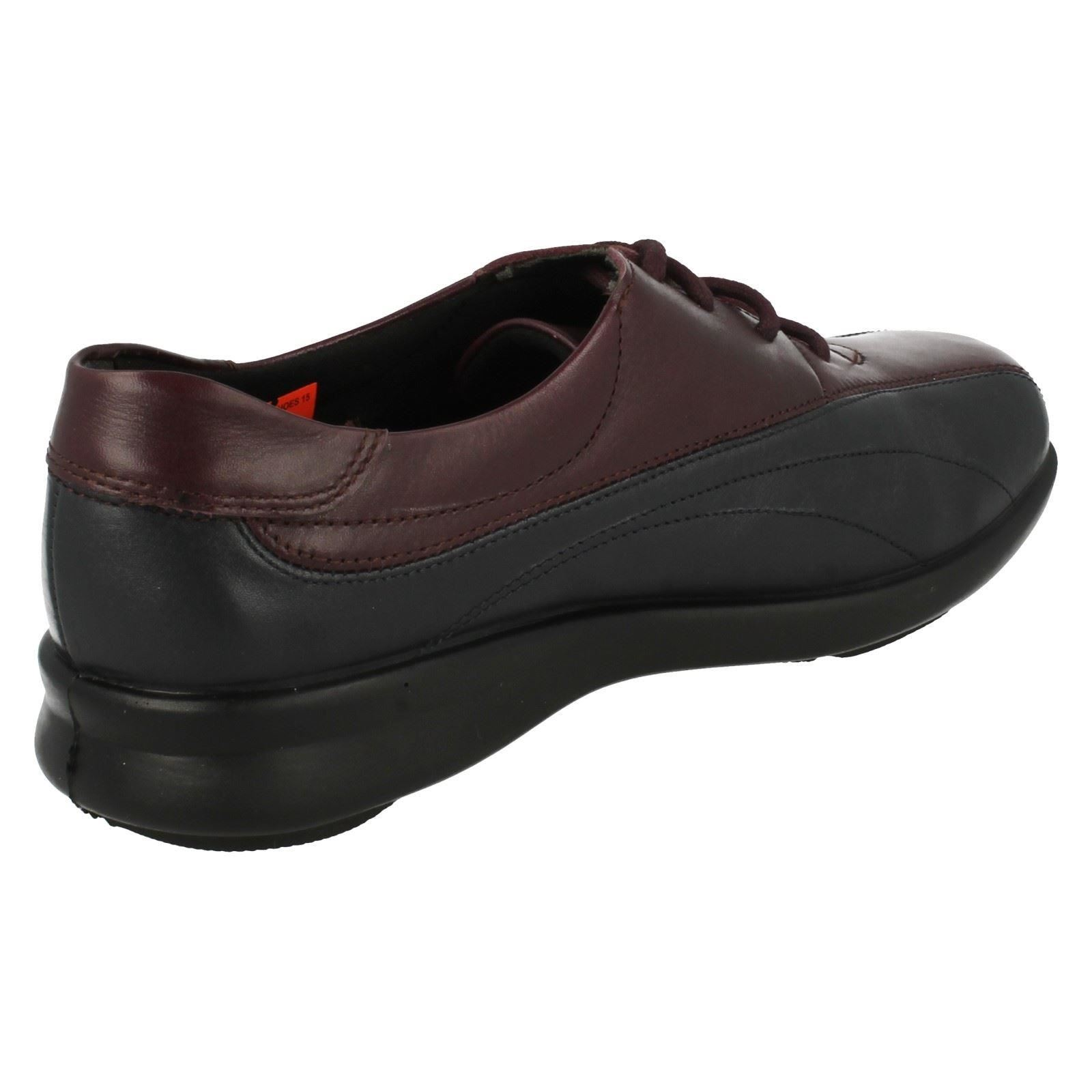 Señoras fácil B amplia del Zapato Rosie
