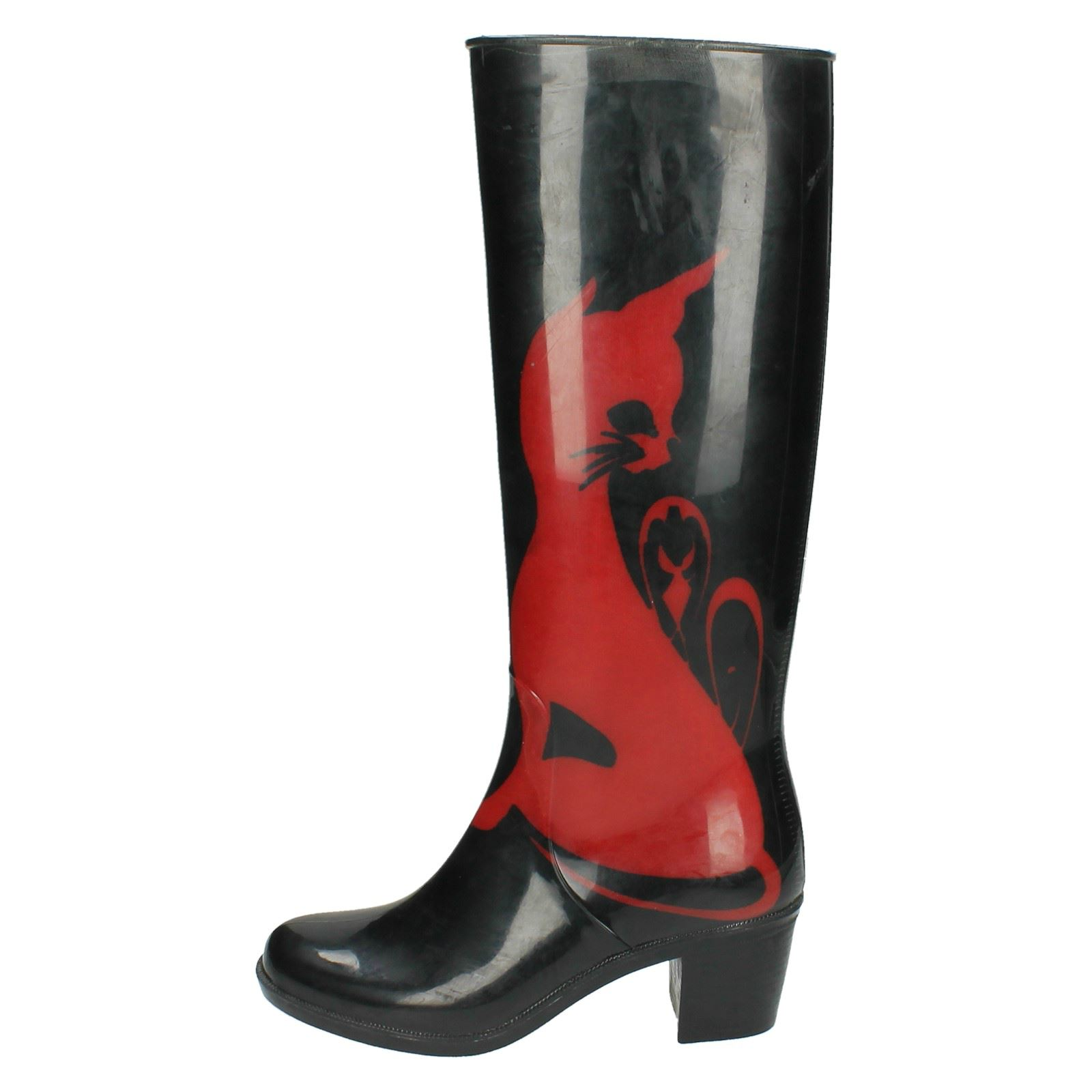 Boots With Kitten Design
