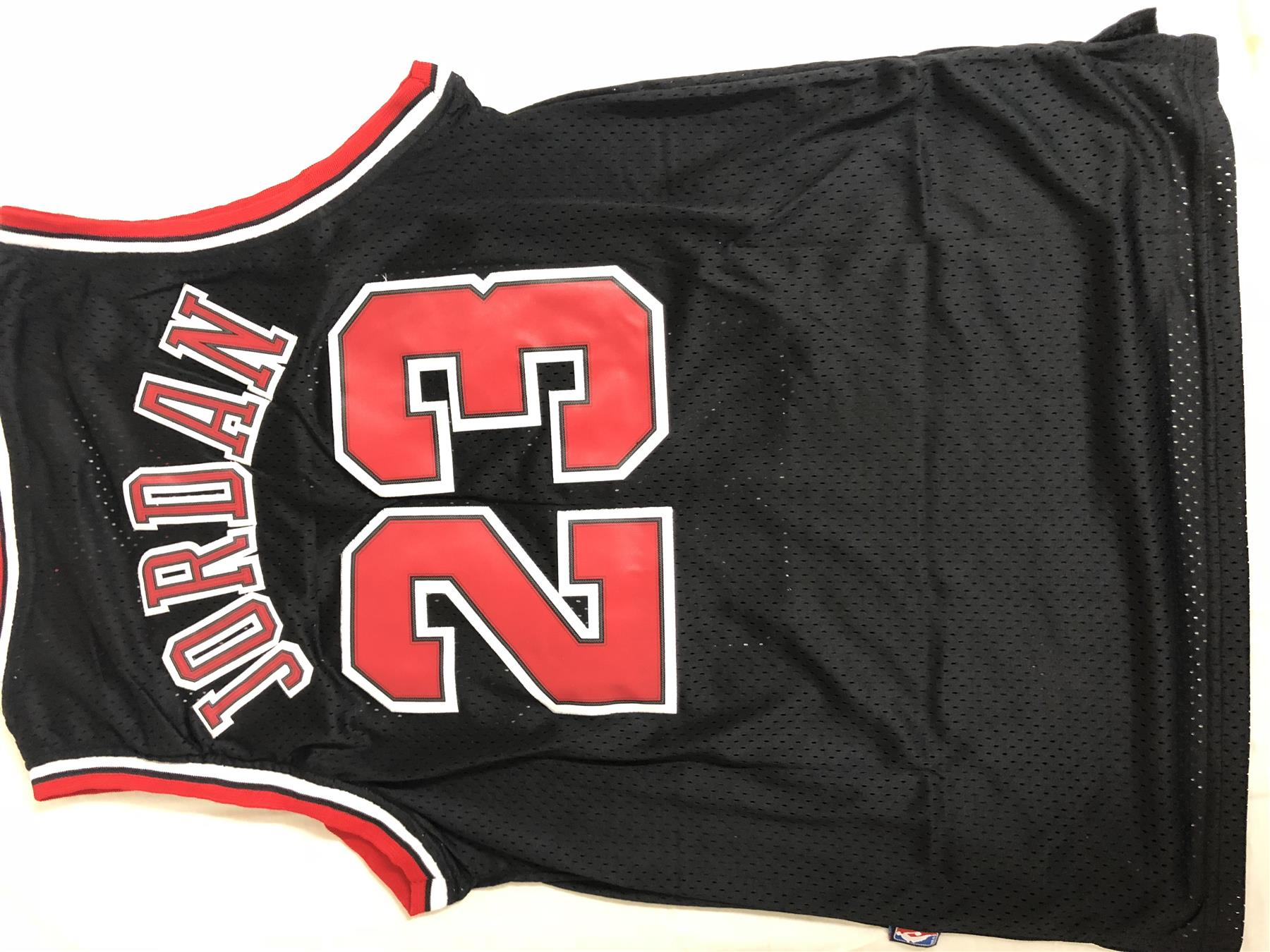 MICHAEL-JORDAN-CHICAGO-BULLS-23-BLACK-NBA-Basketball-SWINGMAN-JERSEY-Shirt miniature 15