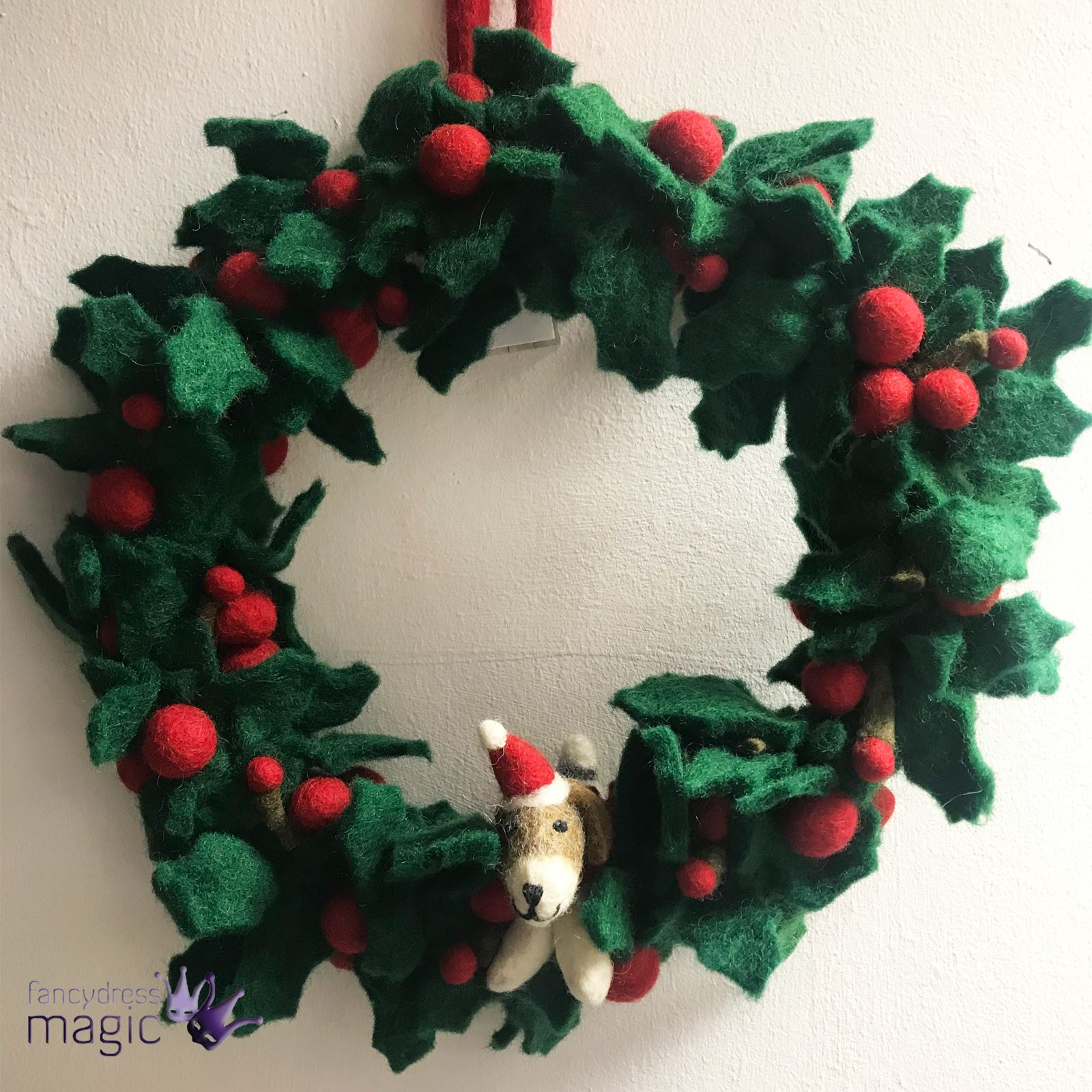 felt fairtrade large holly mistletoe dog robin wreath