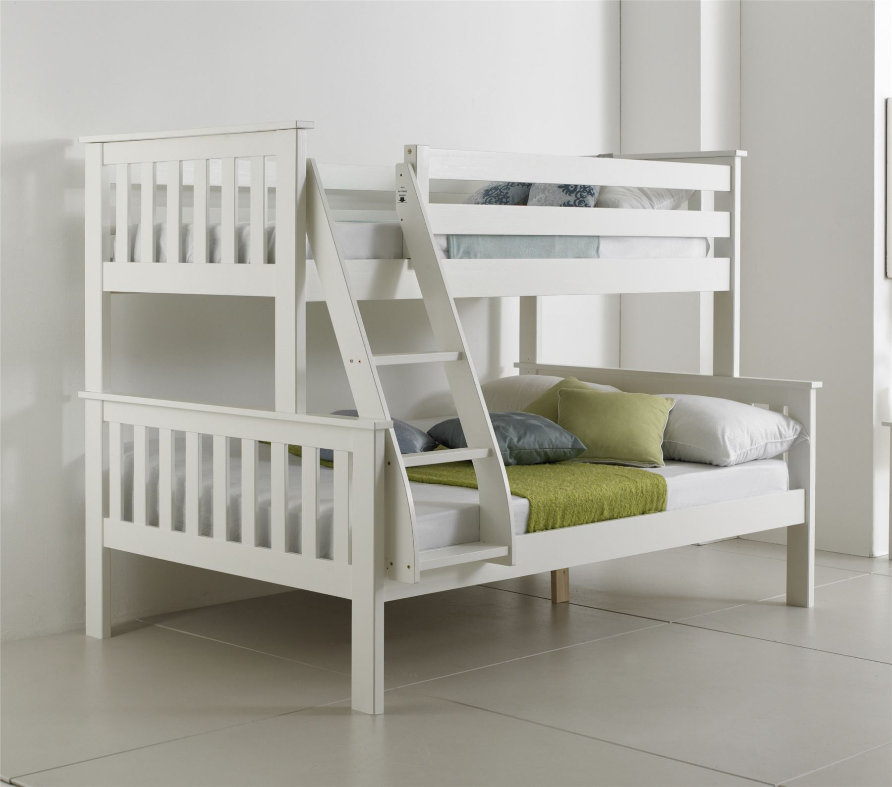 bluemoon beds 4ft atlantis triple sleeper bunk bed solid pine 2xluxury mattress ebay. Black Bedroom Furniture Sets. Home Design Ideas