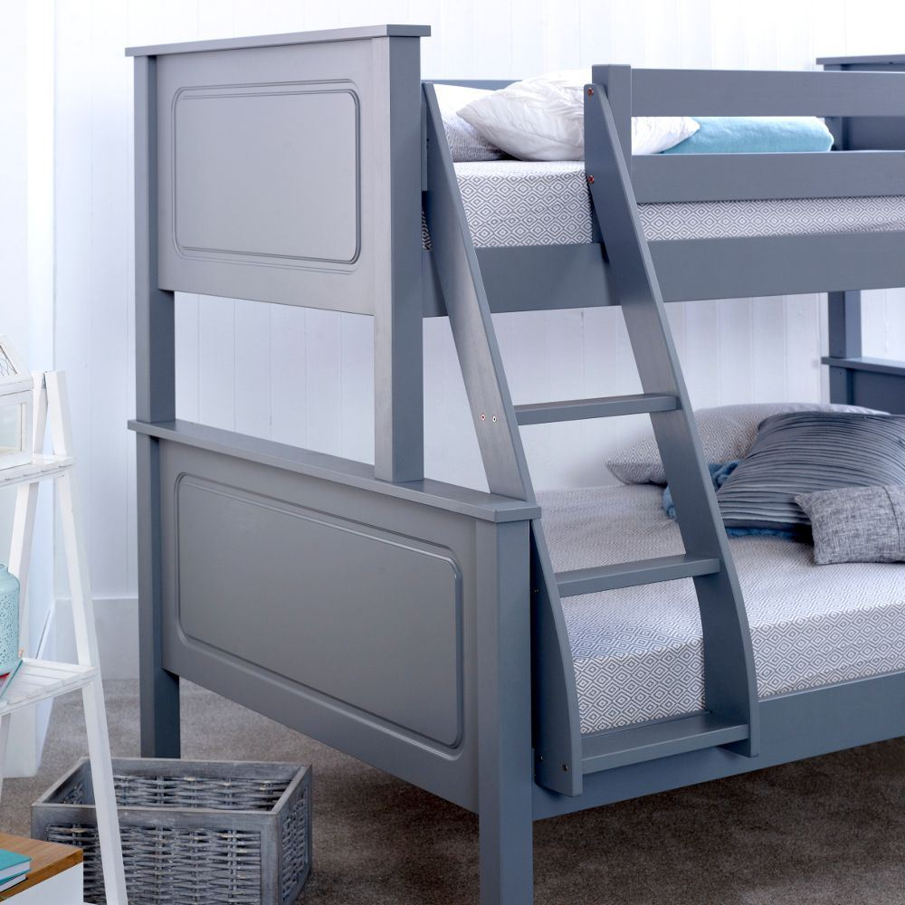 vancouver wood triple sleeper bunk bed 4ft small double mattress colour options ebay. Black Bedroom Furniture Sets. Home Design Ideas