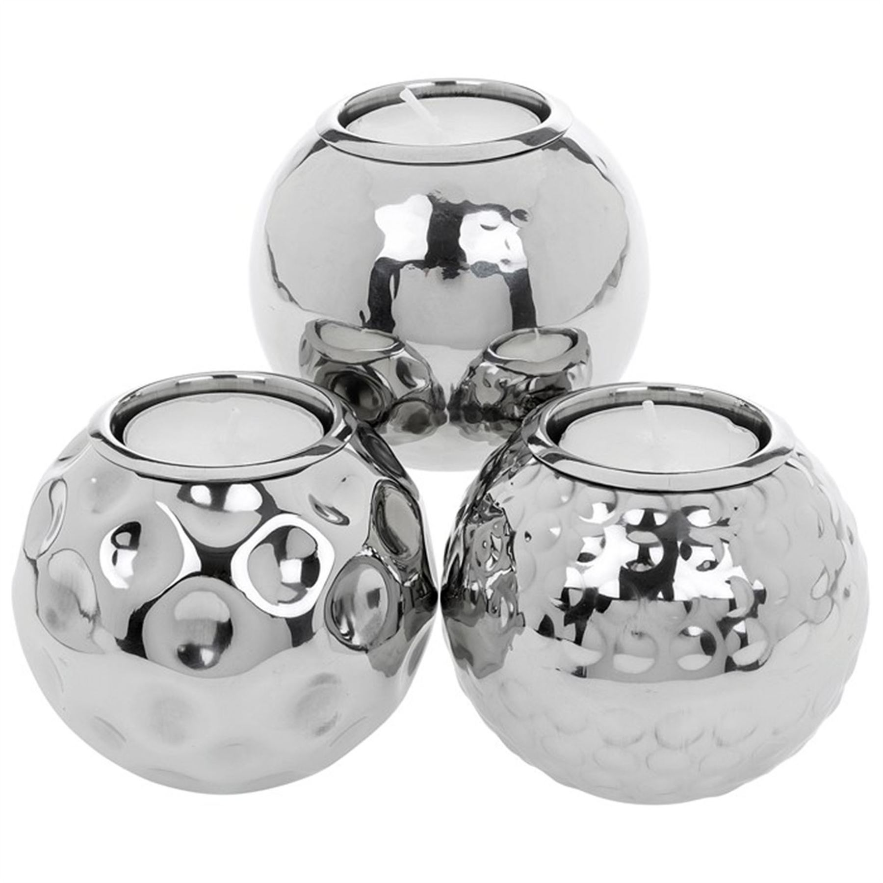 We have a beautiful variety of tea light holders. Our tea light candle holders allow the tea light to create a soft, warm, ambiance. We have tea light holders that are elegantly designed from ceramic and will accent your candles nicely as you display them in your home.