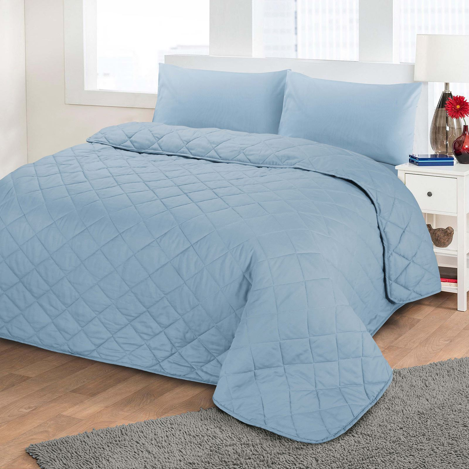 Quilted bedspread on the bed: especially the choice and tailoring do-it-yourself 10