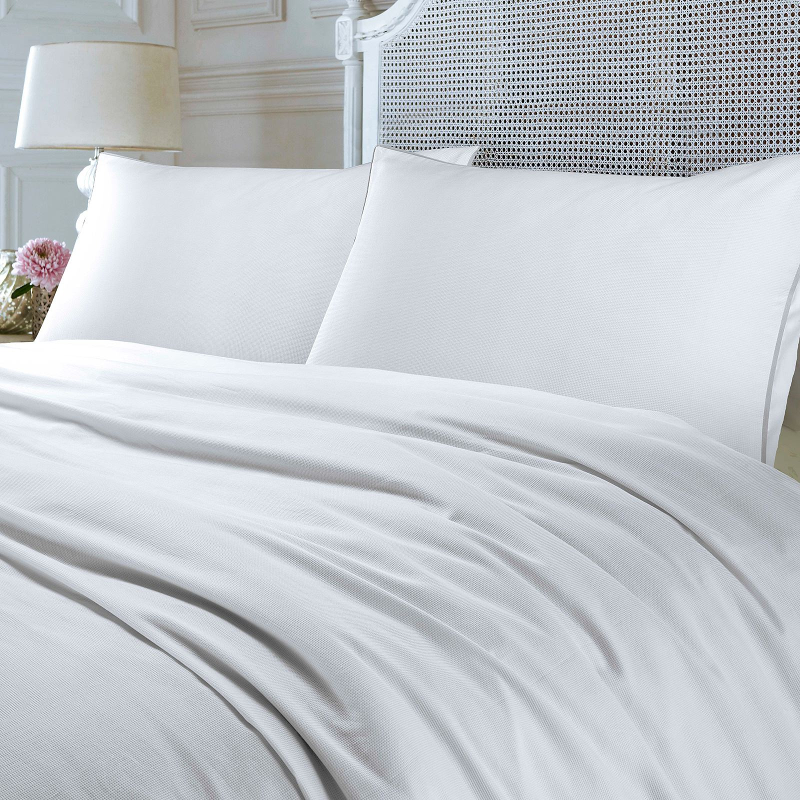 Luxury-200-Thread-Woven-Waffle-Checked-100-Cotton-Quilt-Duvet-Cover-Set-White thumbnail 4