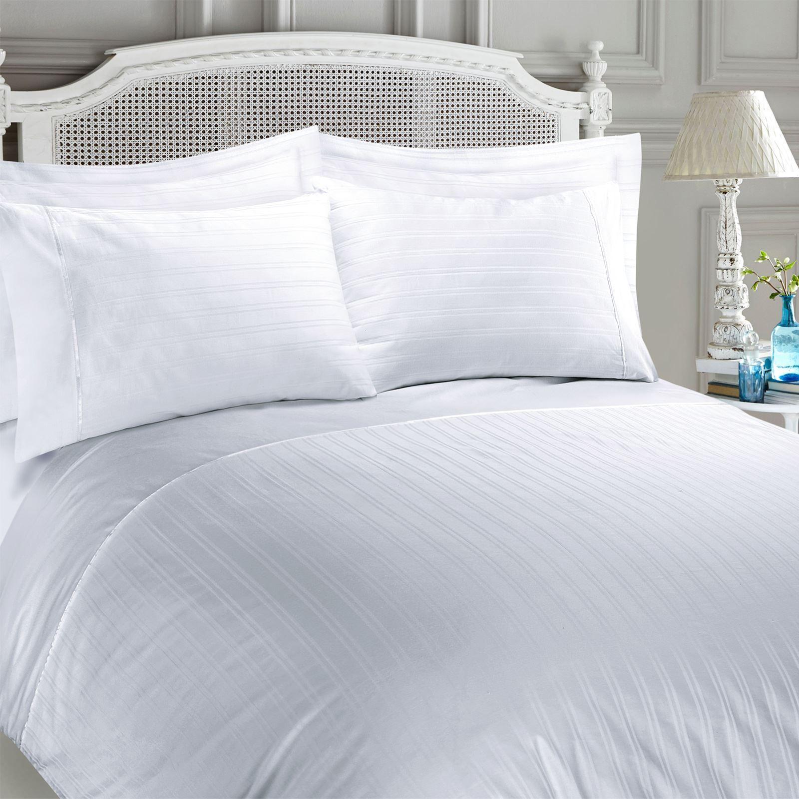 Gemma Hotel Quality Watercolour Paisley 100/%Cotton Sateen Quilt Duvet Cover Set