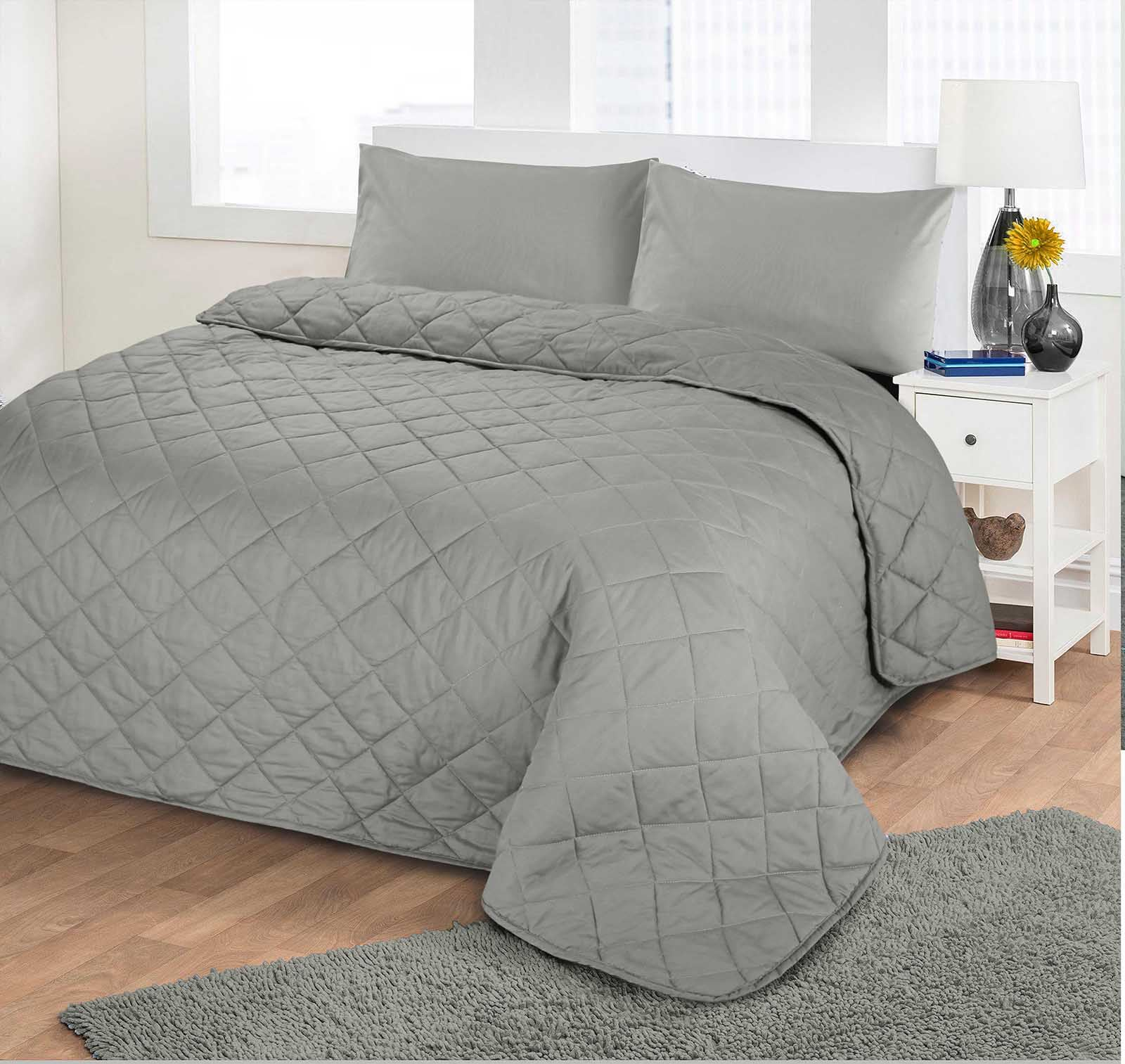 Quilted bedspread on the bed: especially the choice and tailoring do-it-yourself 74