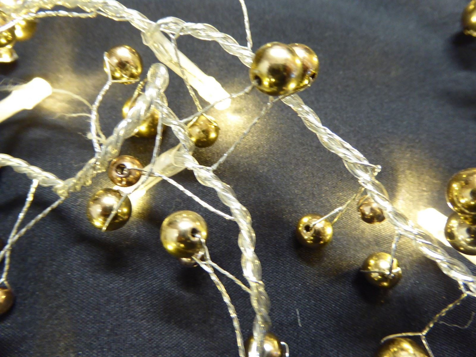 6ft-1-8m-Berry-Twig-Artificial-Christmas-Garland-With-Lights-Decoration thumbnail 4