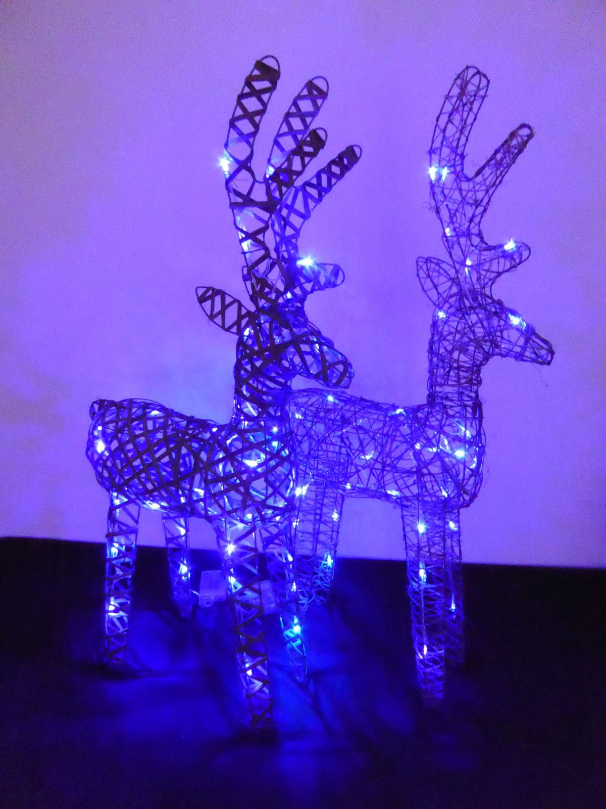 Large-Pre-Lit-Christmas-Reindeer-Decoration-Rustic-Rattan-LED-Lights-Indoor thumbnail 41