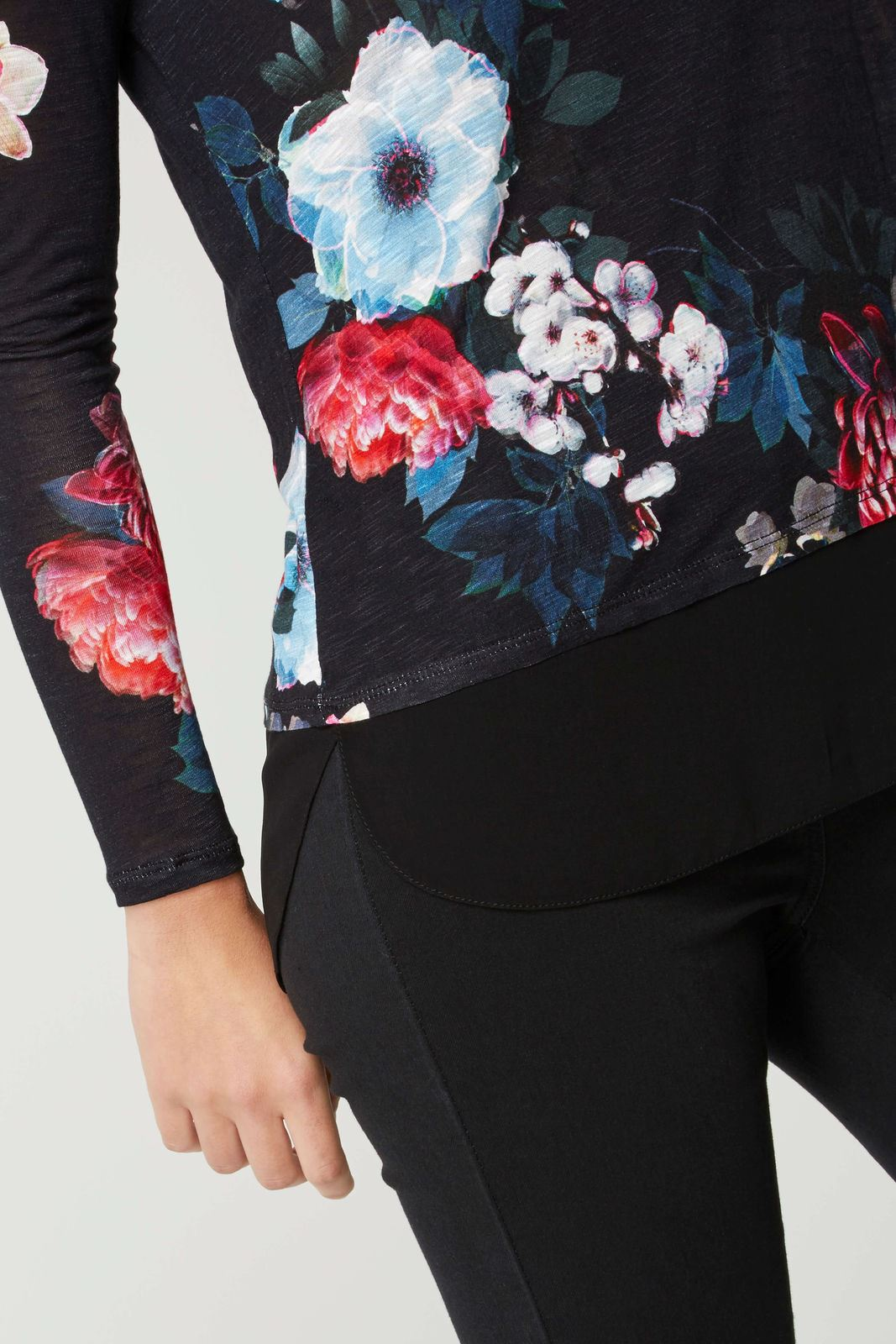 ROMAN-ORIGINALS-Black-Floral-Jersey-Top-with-Chiffon-Mock-Layer-RRP-30 thumbnail 3