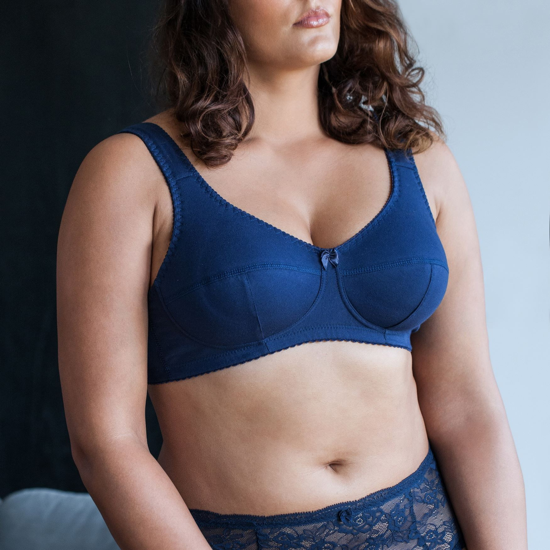 Cotton-Wireless-Plus-Size-Full-Coverage-Sleep-Unlined-Minimizer-Figure-Bra thumbnail 8
