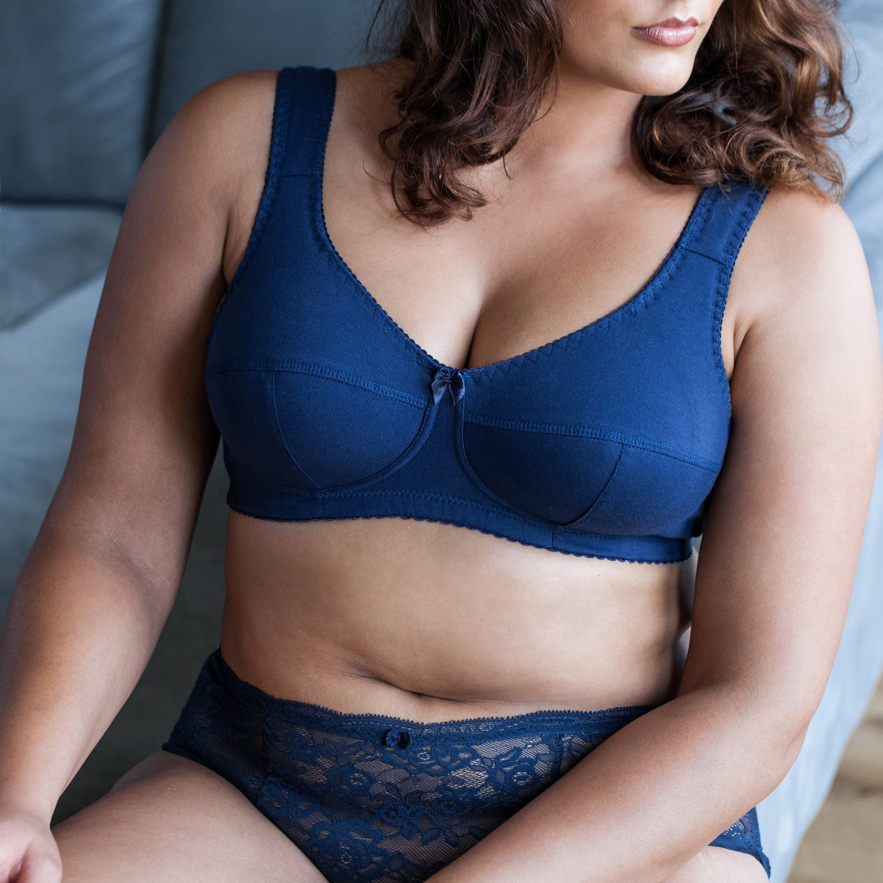 Cotton-Wireless-Plus-Size-Full-Coverage-Sleep-Unlined-Minimizer-Figure-Bra thumbnail 7