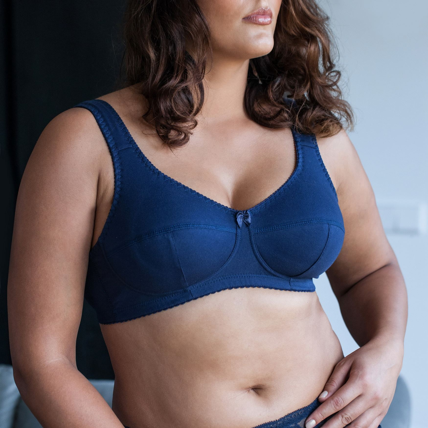 Cotton-Wireless-Plus-Size-Full-Coverage-Sleep-Unlined-Minimizer-Figure-Bra thumbnail 6