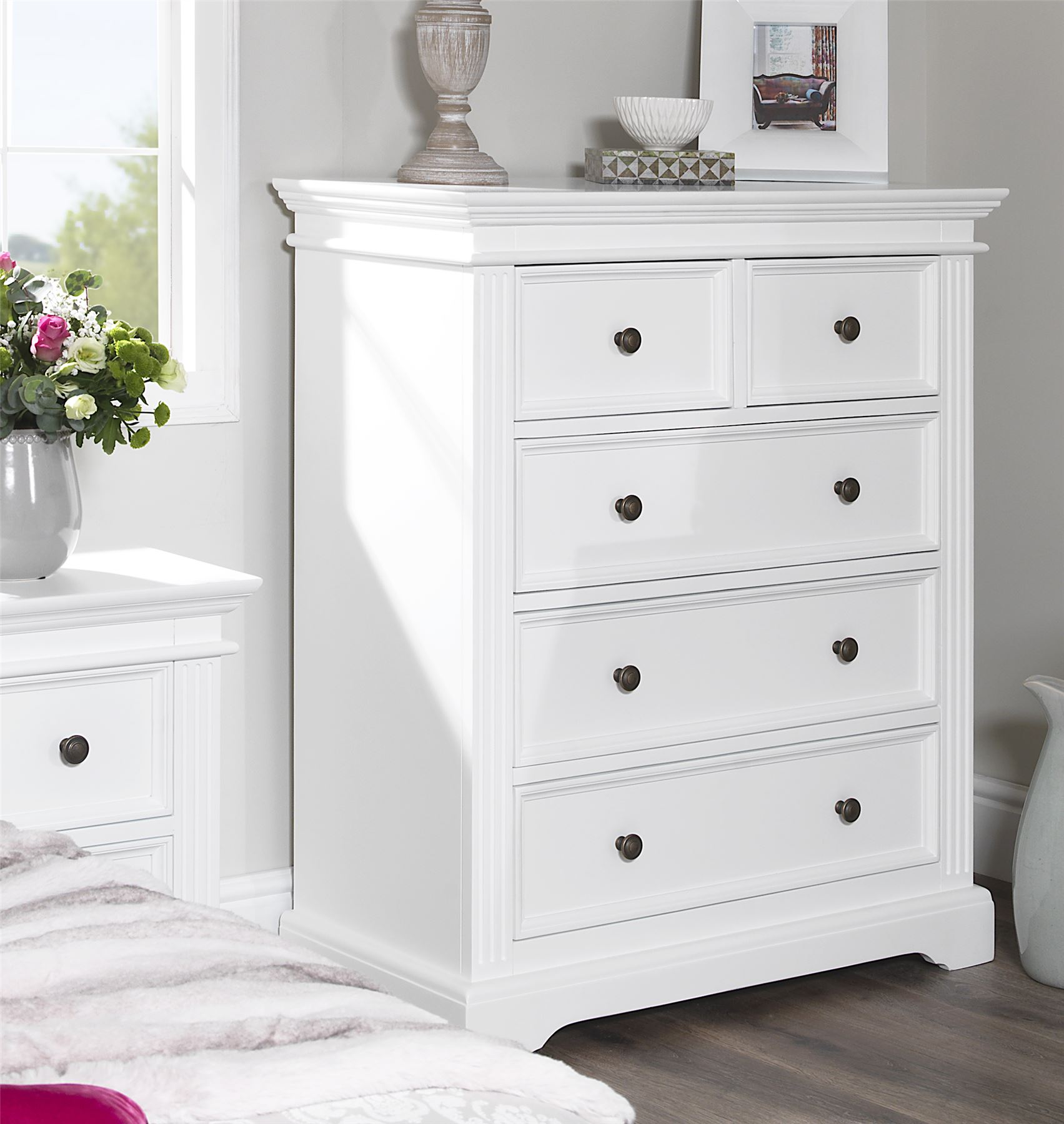 chest of drawers for small bedrooms gainsborough white bedroom furniture bedside cabinets 20407
