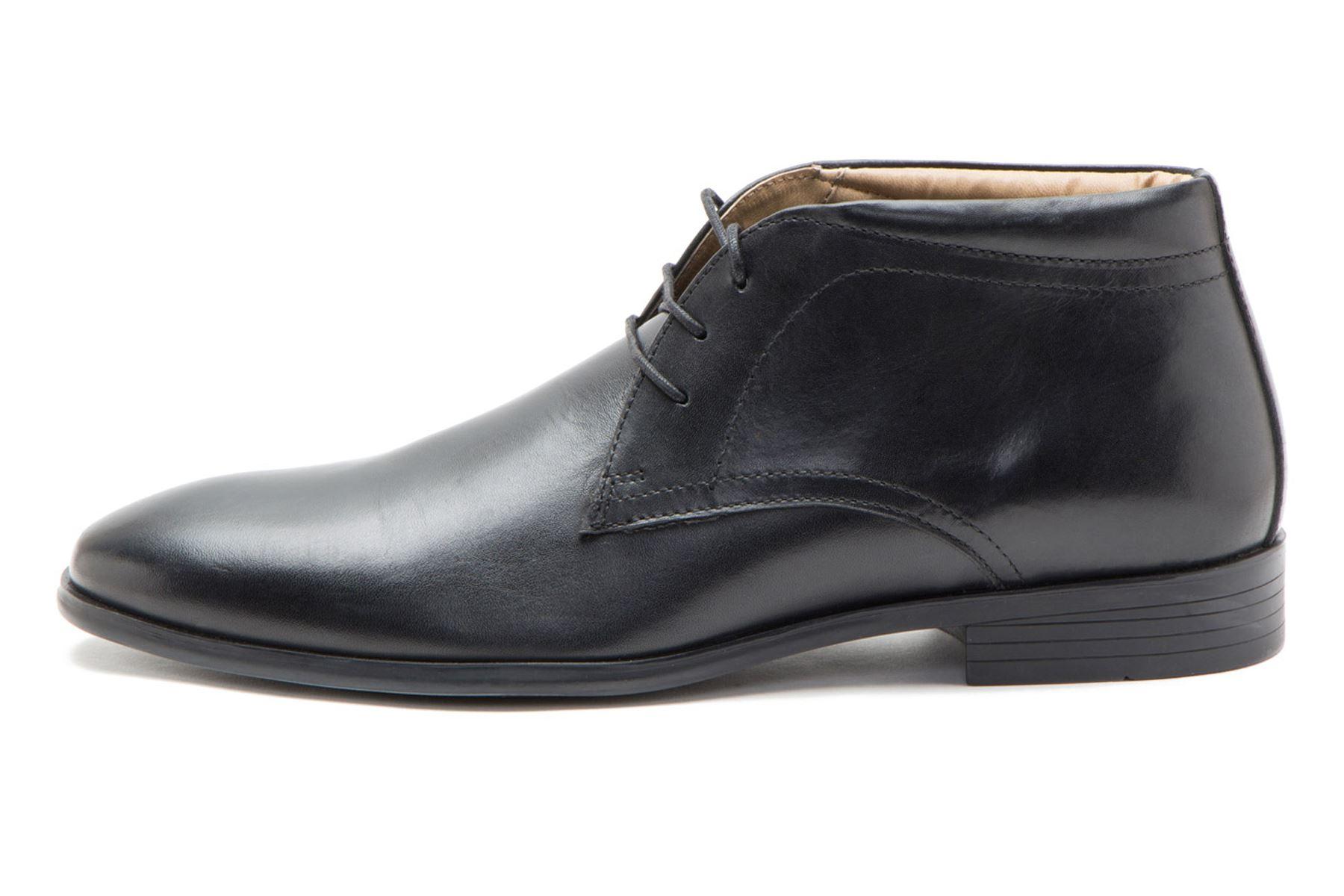 Red Tape Calcot, Chukka Boots Homme, Noir (Black 0), 46 EU