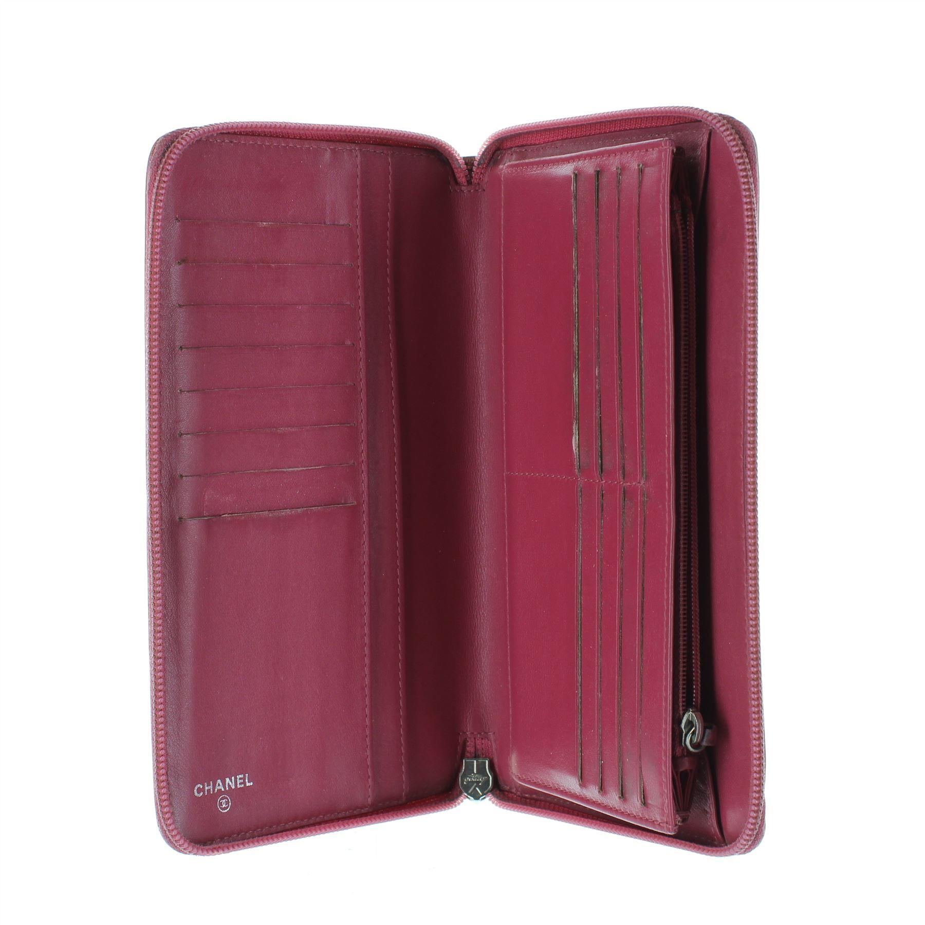 CHANEL Camelia Porte-monnaie   sac à main rose en cuir verni, 5