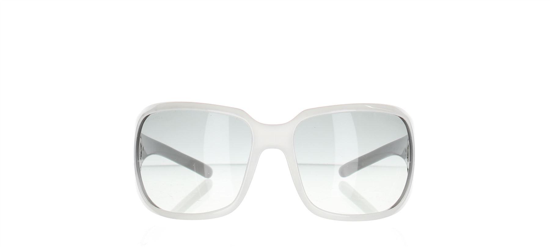 7764c1e55f Dettagli su CHANEL Oversized 6023 Occhiali da sole bianchi d'argento , 2.25  X 6