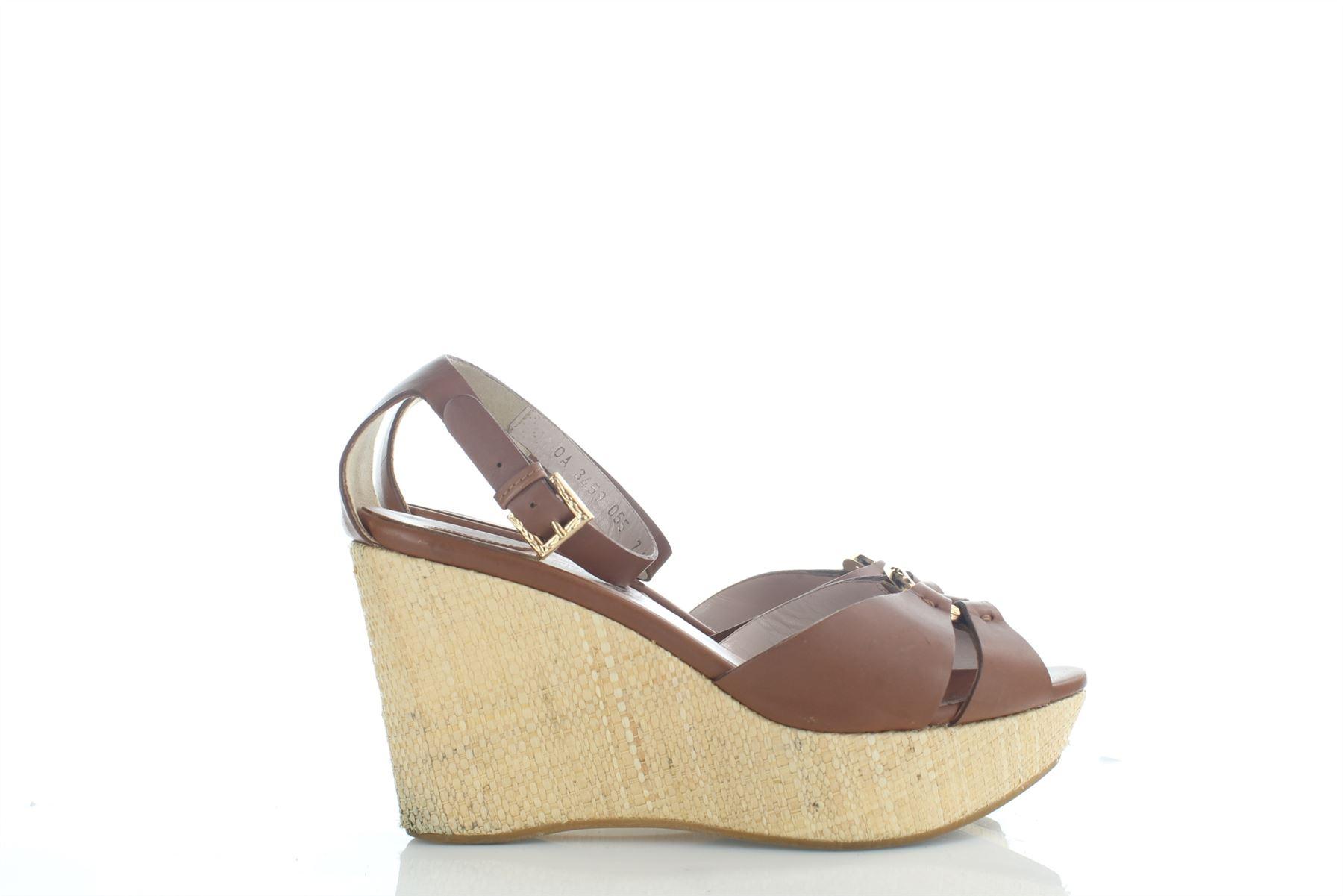 95a41c8318a SALVATORE FERRAGAMO Duccia Brown Leather Shoes