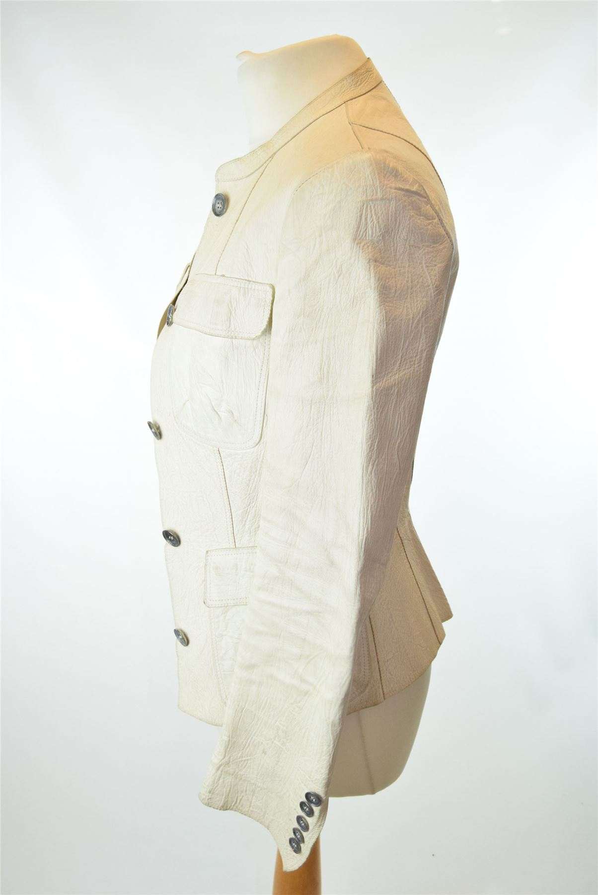 b46d49e86a6e BURBERRY Beige Leather Jacket