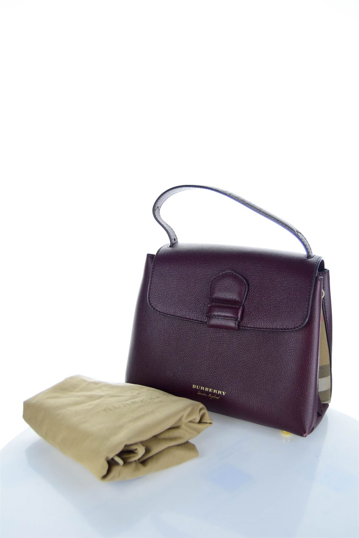 BURBERRY Camberley Derby Borsa in pelle viola f0804be3cbf