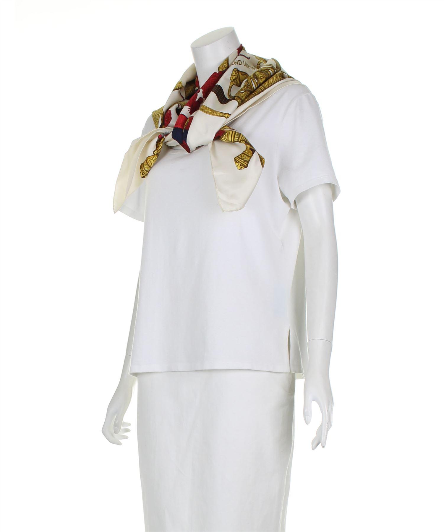 HERMÈS Grand Uniforme Foulard en soie blanche, 35