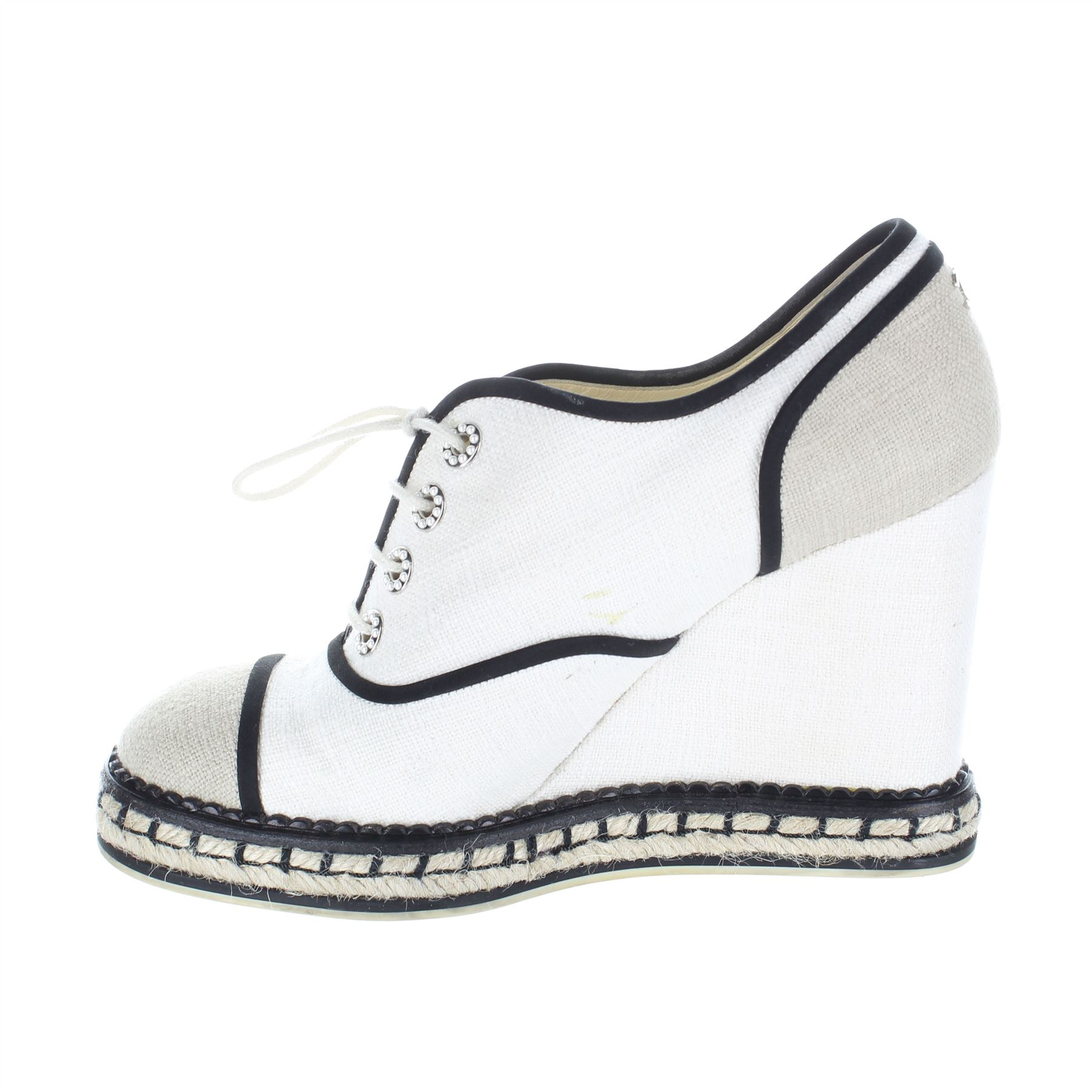 65b41ca304b CHANEL Beige Cloth Wedge Shoes
