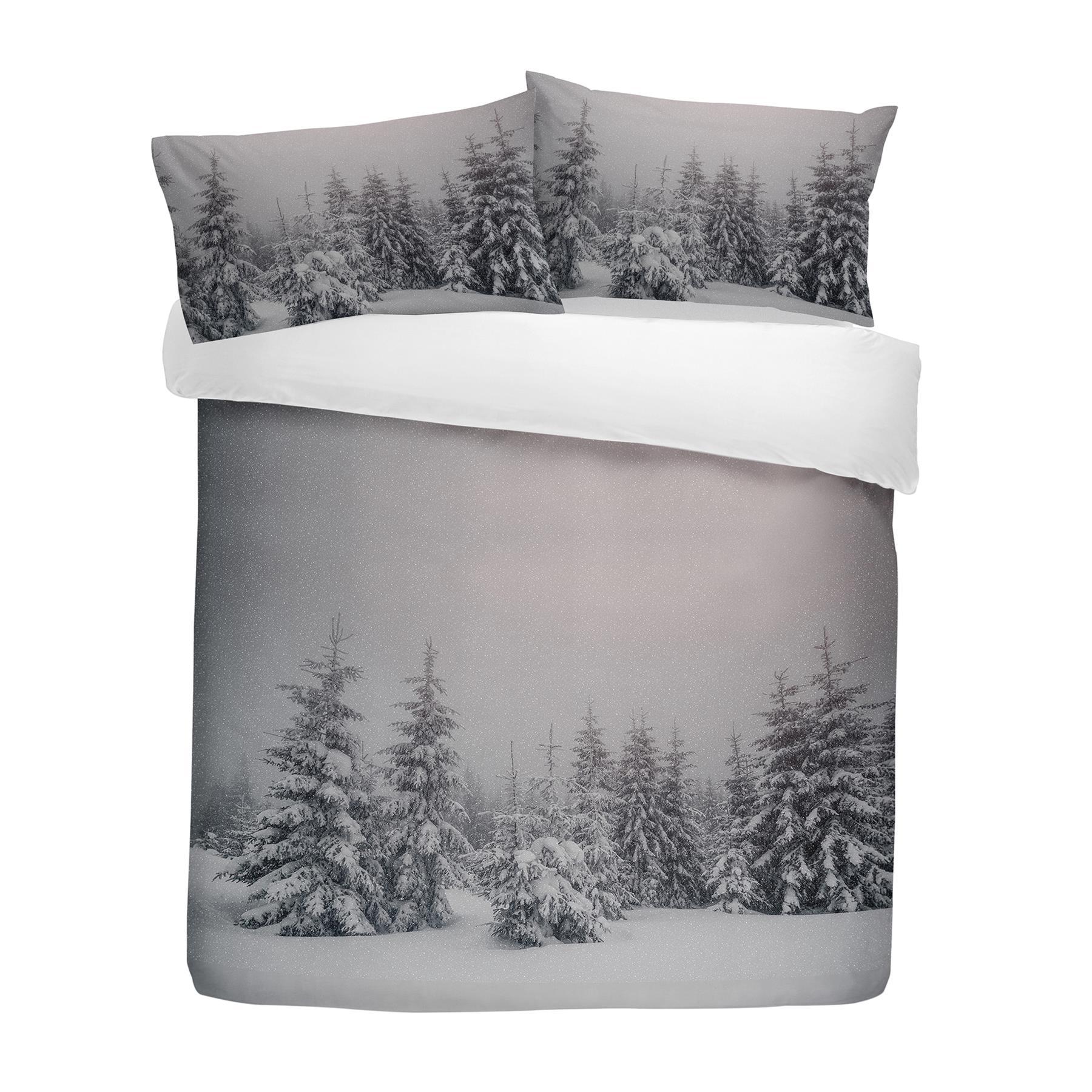 CHRISTMAS SNOWING STARRY NIGHT TREE SCENE SINGLE DUVET COVER